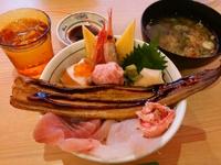 海鮮こぼれ丼…目利きの銀次(太白区役所前)
