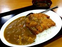 かつカレー……ひがし食堂(名護市)