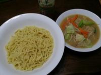 野菜たっぷり味噌つけ麺