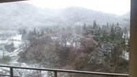 春でも少し雪降りました。