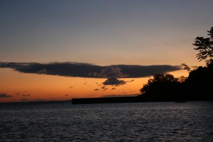 夜明けの歌津港