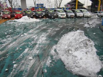 今日も雪かきっ・・・!!