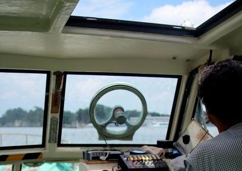 桂島から野々島へと船
