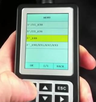Creator C110コードスキャナーでBMW E46エアバッグを簡単にレセットする