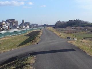 名取川の堤防です