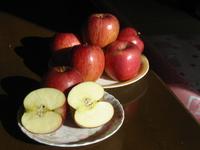「ゆたか君」家のりんごを買ったよ。