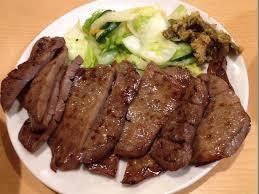 本格手振り、旨味熟成! 「味の牛たん喜助」は大阪でも人気です!