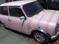 こんな車に乗ってみたい〜♪ピンクのミニクーパー!