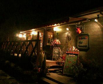 灯@夜のカフェ