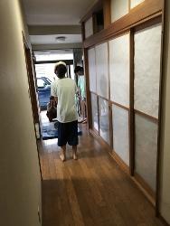 廊下でスイカ割り~(#^.^#)