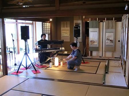 ただいまリハーサル・準備中です。「日本刺繍による源氏物語展」