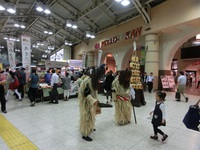 ナマハゲが上野駅に出現