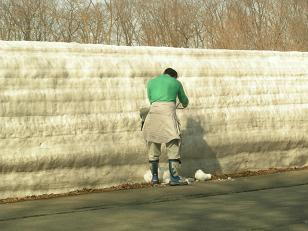 雪回廊を行く。