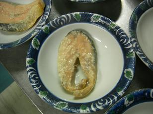 マスを粕で煮ました。
