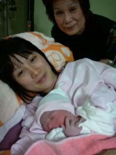 愛媛県松山から里帰りの山口久美子さん女のお子さん誕生