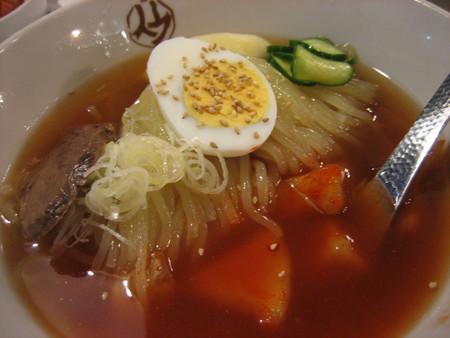 カルビ亭の冷麺。