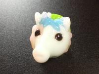 とんぼ玉 『白馬とかえる』