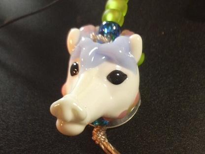 とんぼ玉 『白馬とかえるの王子様』