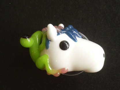 とんぼ玉 『可愛い白馬とかえる』