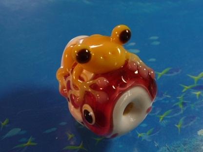 とんぼ玉 『かえるの鯉のぼり』