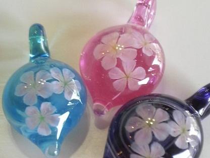 ガラス細工 『桃の花』