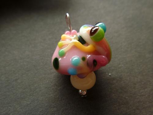 とんぼ玉 『キノコと虹色かえる』