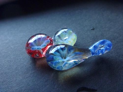 妖艶ガラス 『くっついたドロップス』