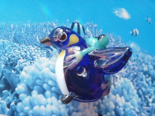 とんぼ玉  『オウサマペンギンとかえる』