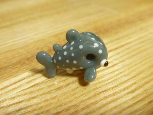 とんぼ玉 『小さなジンベエザメ』