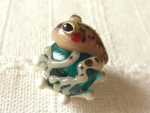 とんぼ玉 『トノサマガエル』