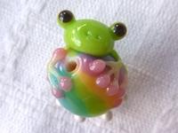 とんぼ玉 『虹色キノコとかえる』