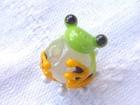とんぼ玉 『クロマクトビカエル』