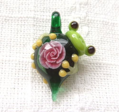 ガラス細工 『一輪の薔薇とかえる』