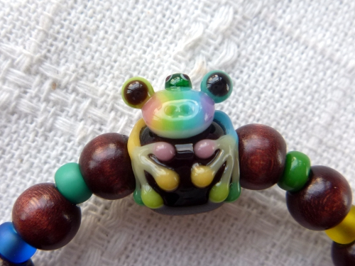 とんぼ玉 『親子虹色かえるブレスレット』