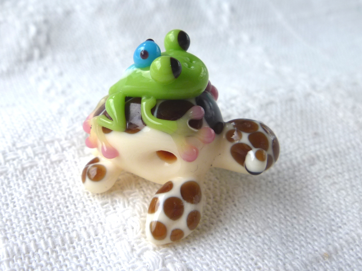 とんぼ玉 『かえるの親子とウミガメ』
