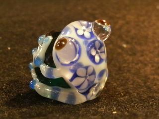 ブルーの花カエル玉