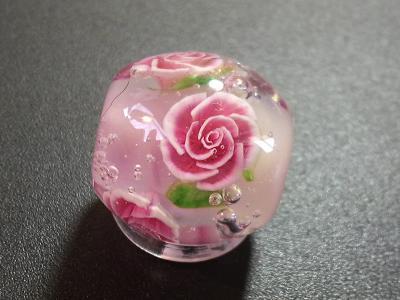 とんぼ玉 『赤薔薇』