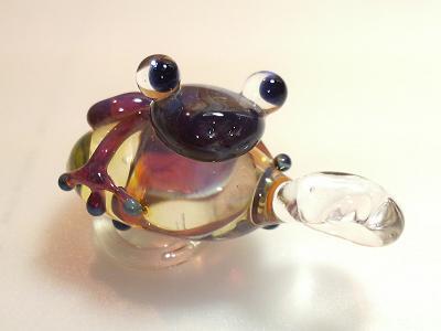 ガラス細工 『カエルのペンダントトップ』