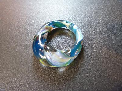 妖艶ガラス 『ツイストリング』