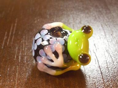 とんぼ玉 『紫陽花かえる』