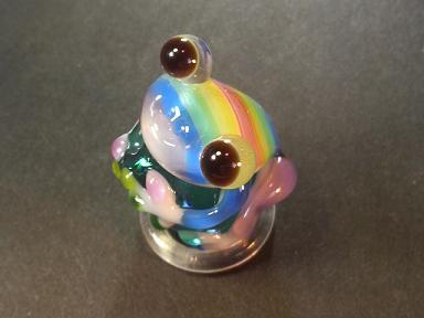 とんぼ玉 『虹色かえる 横縞』