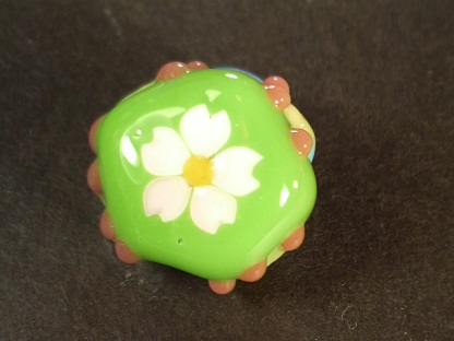 とんぼ玉 『桜咲くかえる』