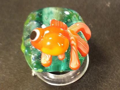 とんぼ玉 『金魚』