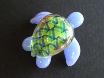 とんぼ玉 『お洒落さんウミガメ』