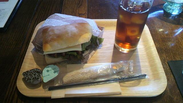 小粋なカフェ・・・cafe fua(カフェフーア)
