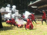 新緑に轟く号砲・・・花山鉄砲まつり
