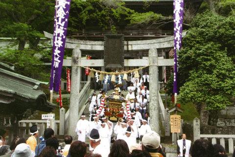 今日から【金華山黄金山神社初巳大祭】が開催されます