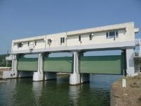 東名運河、松島湾側