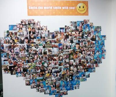 写真展【Smile for Japan】がAERで開催中。