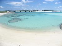 野甫島の青い海